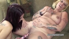 Hot blonde babe fucked while horses watch Thumb
