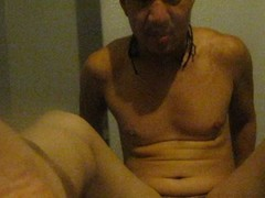 STUD SELFSUCKS HIS 12 INCH AND FANTACISING MASSAGING WOMEN WITH HIS NICE FEET Thumb