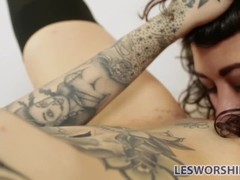 Tattooed babe Leigh Raven has a crush on her busty roommate Thumb