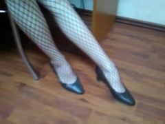 Plaiyng around with heels then giving epic fishnet footjob Thumb