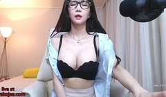 Korean busty lady shows her body Thumb