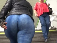Big butts candid asses and PAWGs from GLUTEUS DIVINUS Thumb