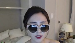 Sexy Korean shows her big boobs Thumb