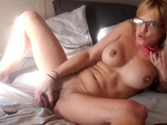 Jaebird1981 playing with pussy, dildo, shows feet, ORGASMS Thumb